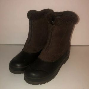 Chromatics by Totes brown fur boots size 8M